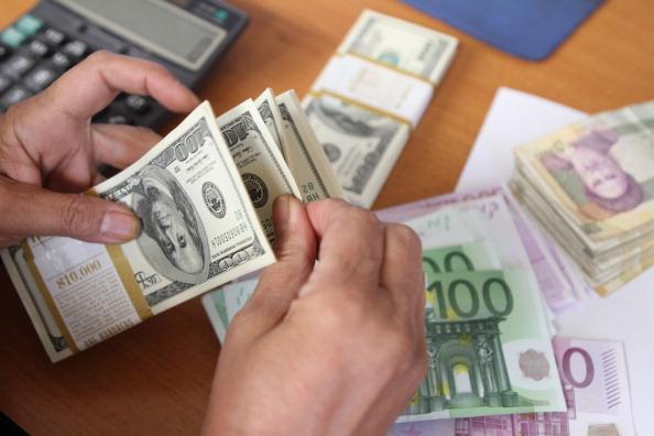 دلار فروش