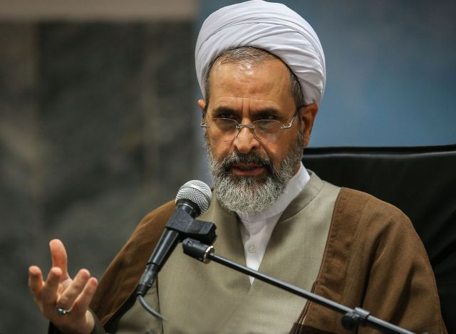 مسؤولان در برابر سخنان سخیف غربیها موضع انقلابی اتخاذ کنند/ایران بر سر اقتدار نظامی با هیچ کس معامله نمیکند