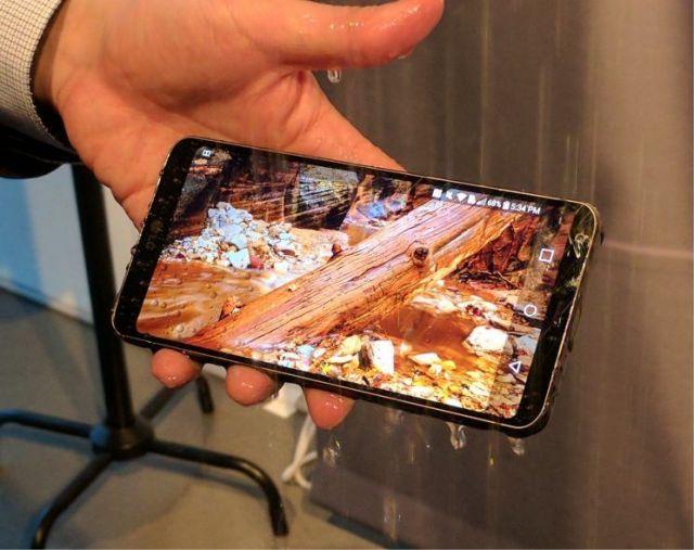 نگاهی از نزدیک به G6؛ زیباترین و کاملترین گوشی تولید شده توسط LG