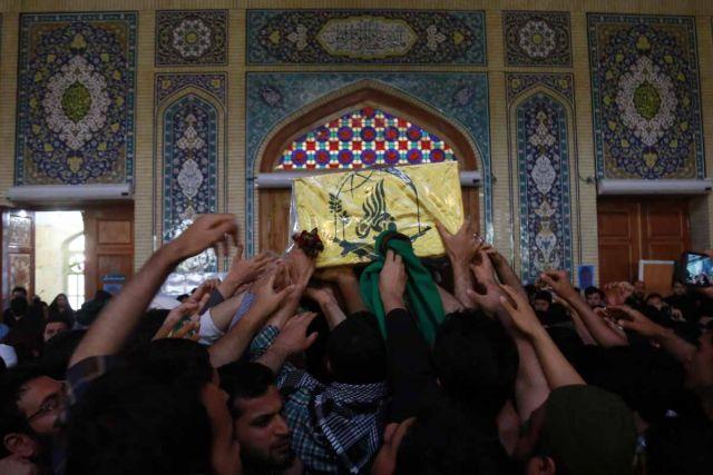 وداع معتکفین جمکران با شهید مدافع حرم