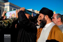 گزارش تصویری: تشییع ۷ شهید مدافع حرم بر روی دوش مردم قم