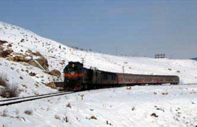 قطار برف قم