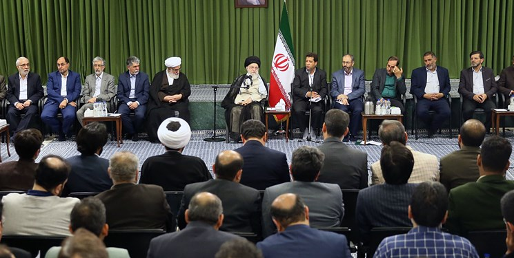 رهبر انقلاب: راجع به زبان فارسی نگرانم/نگذارید زبان فارسی فرسوده و ویران شود