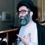 کتاب «روایت رهبری» حاوی نکات جدید از انتخاب آیتاللهالعظمی خامنهای  منتشر میشود