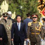 «روحانی» در مجموعه سعدآباد از نخستوزیر ژاپن استقبال کرد