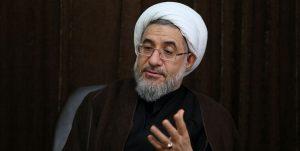 آیتالله اراکی: لاریجانی سخن خود در ابتدای مذاکرات هستهای را فراموش کرد