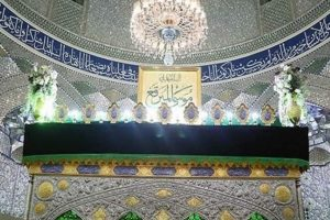 دربهای حرم امامزاده موسی مبرقع(ع) تا صبح باز هستند