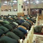 نماز جماعت در حرم حضرت معصومه(س) برپا شد/ حائلهای اطراف ضریح مطهر برداشته شد
