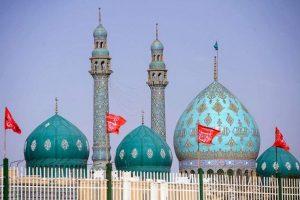مسجد جمکران با خیرین درتوزیع گوشت قربانی مشارکت میکند