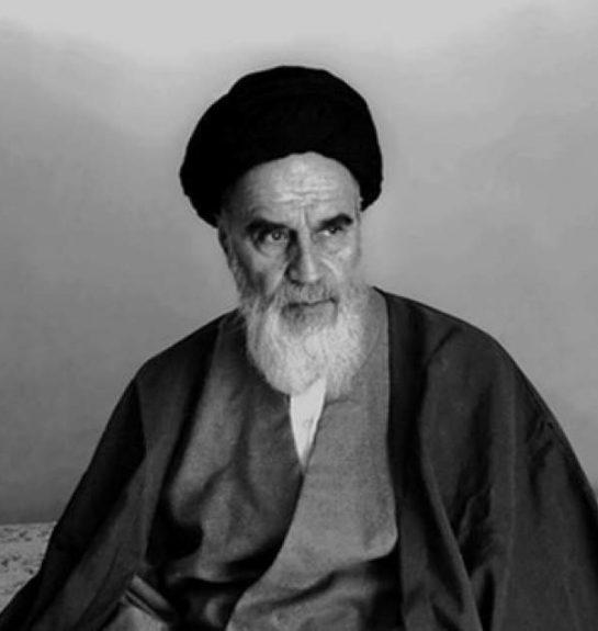 بزرگداشت یاد و نام امام خمینی(ره) از شعائر اسلامی است