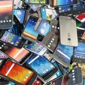 مقام سومی موبایل در واردات با وجود تنگنای ارزی/ خروج 358 میلیون دلار ارز برای واردات گوشی در 3 ماه