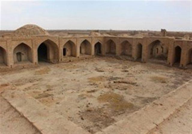فاز نخست مرمت کاروانسرای صدرآباد قم آغاز شد