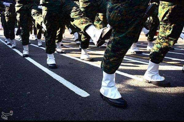 رژه نیروهای مسلح استان شهر قم برگزار گردید