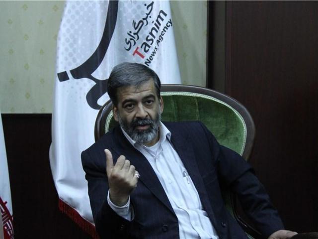 ریاست شبکه ایران کالا: به چه سبب برای تکریم تولیدکنندگان ایرانی، شبکه های سراسری به میدان نمی آیند؟