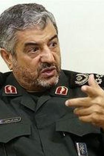 نگفته های فرمانده سپاه از تسخیر لانه جاسوسی