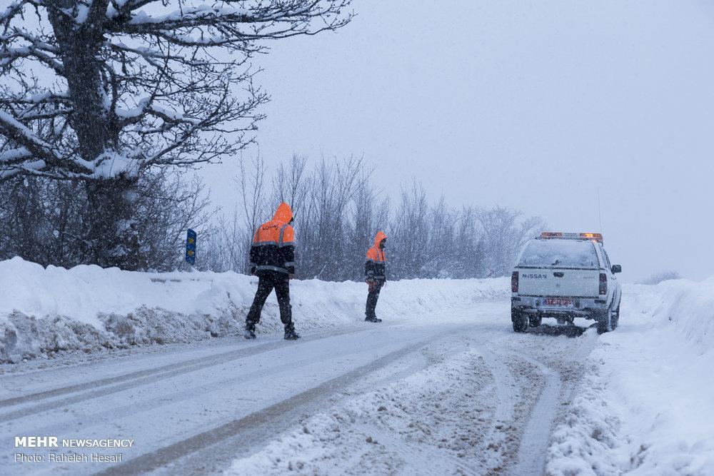 جاده فردو تا اطلاع ثانوی مسدود است/ بارش یک متر برف در برف انبار – پایگاه خبری شهرکریمه   اخبار ایران و جهان